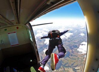 quer saber onde saltar de paraquedas nao perca 5 opcoes incriveis