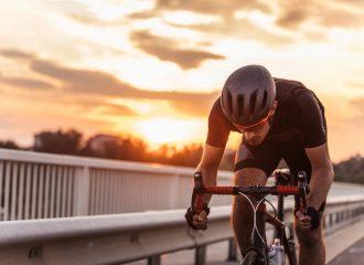 quais sao as roupas adequadas para ciclismo confira aqui